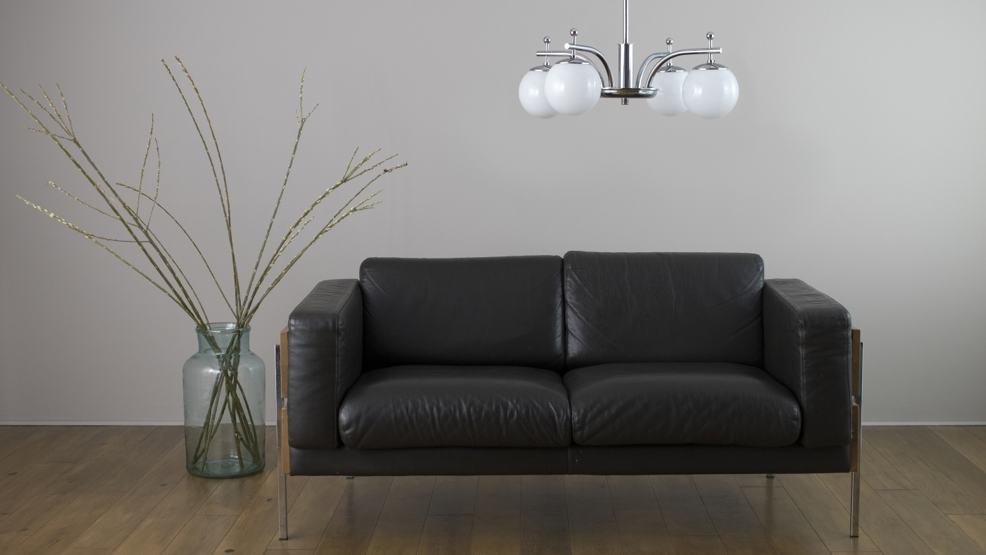 art gallery lighting tips. 1920s Art Deco Elegant Chandelier Above Robin Day Sofa Gallery Lighting Tips L
